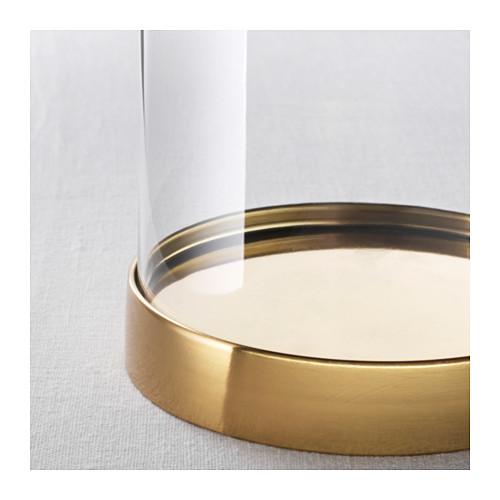 Glasglocke BEGAVNING von IKEA mit goldfarbenem Teller