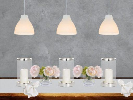 Tischdeko edel und festlich mit Silber und Weiß, Windlichter versilbert und Glasvasen sowie Leinentischwäsche von DINNER STORIES