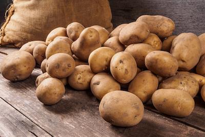 Kartoffeln ganz mit Sack