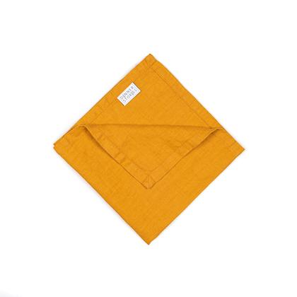 Servietten aus Leinen der Marke DINNER STORIES stone-washed in der Farbe Mango online zu bestellen