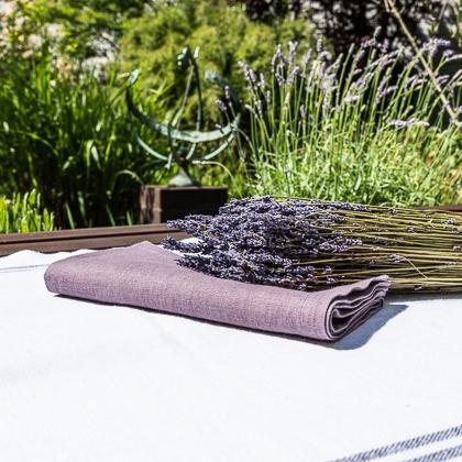 Stimmung Provence mit Lavendel und Serviette Leinen Lavendel