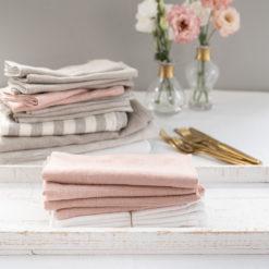 Servietten aus Leinen in verschiedenen Farben, dominierend Rosé, Produktkategorie