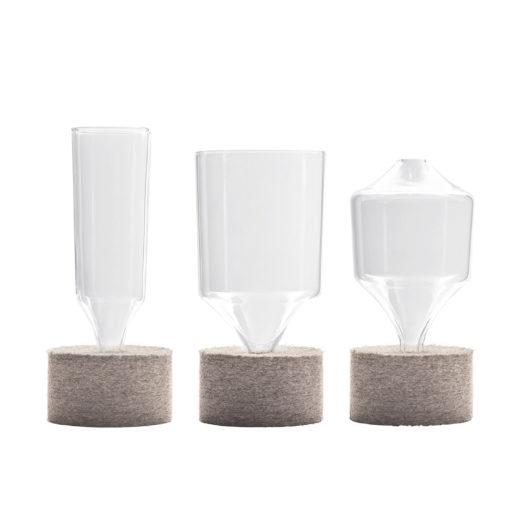 Designervasen mit Filzsockel aus Glas in drei verschiedenen Formen und Größen von Carsten Gollnick für Playground by BHS Tabletop