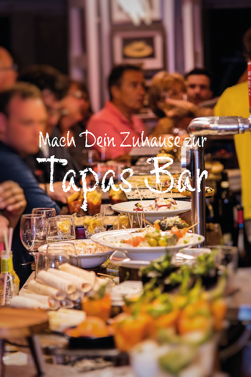 Tapas Bar Theke mit Menschen in San Sebastian